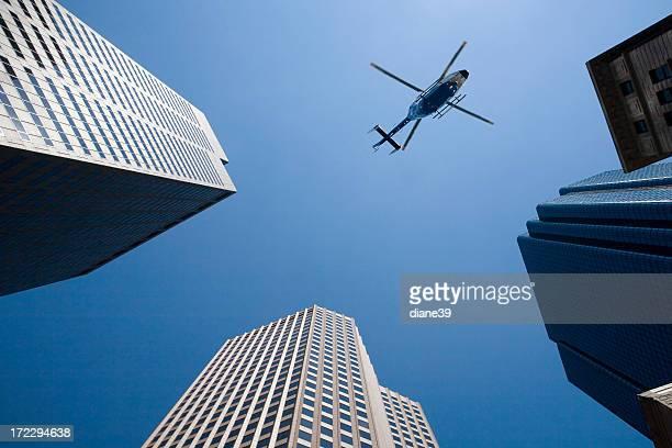 En hélicoptère au-dessus de votre tête