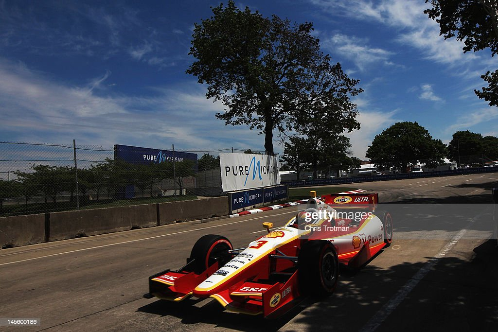 Helio Castroneves of Brazil, drives the #3 Shell V-Power/Pennzoil Ultra Team Penske Chevrolet Honda during qualifying for the IZOD INDYCAR Series Chevrolet Detroit Belle Isle Grand Prix on Belle Isle on June 2, 2012 in Detroit, Michigan.
