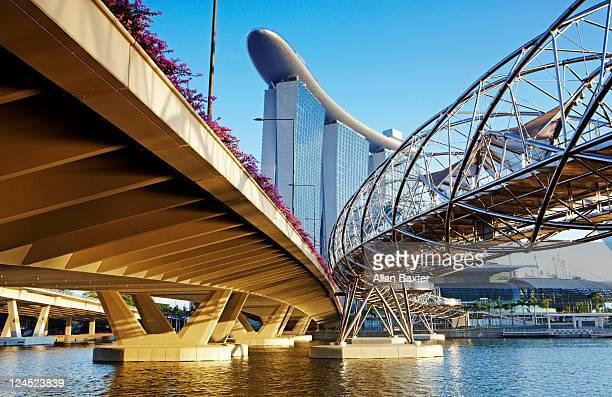 Helix Bridge and Bayfront avenue bridge