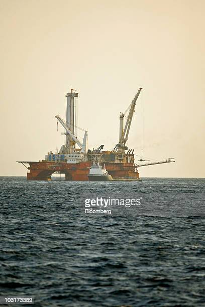 Helix Energy Q4000 Stock Photos and Pictures | Getty Images
