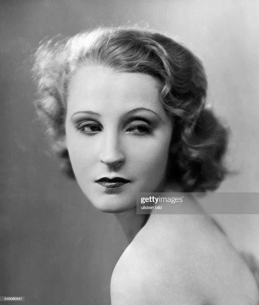 brigitte helm height