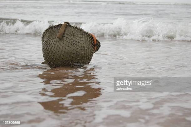 Helm am Strand.
