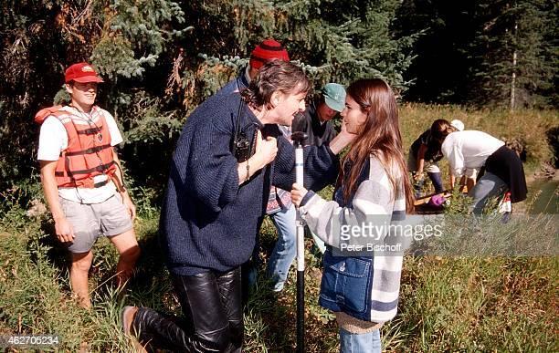 'Helmut Förnbacher Katja Woywood und Fernsehteam ZDFFilm ''Ein unvergeßliches Wochenende in Kanada'' am in Nationalpark in den Rocky Mountains in...