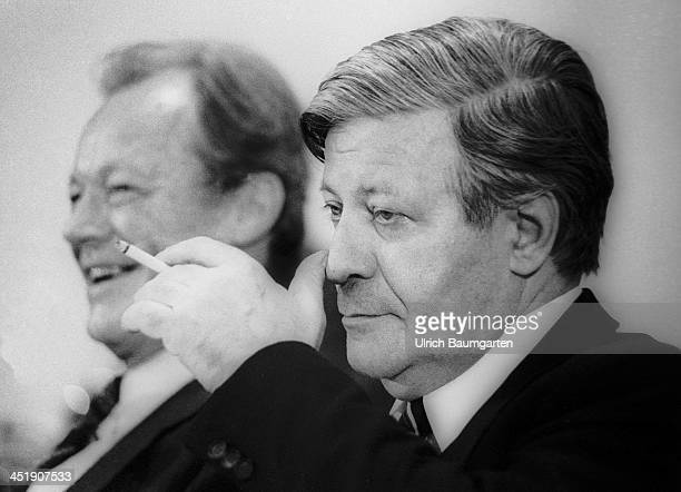 Helmut Schmidt and Willy Brandt during the SPD party convention in Berlin on December 04 1979 in Berlin Germany