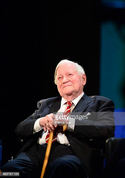 Helmut Schmidt at a celebration hosted by Die Zeit newspaper on the occasion of Schmidt's 95th birthday at the Thalia theater on January 19 2014 in...