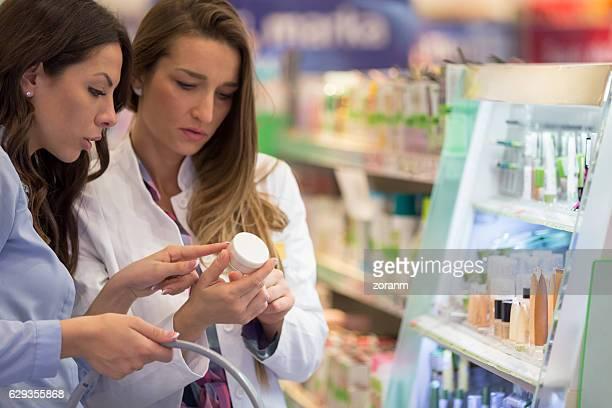 Helping customer choosing make-up