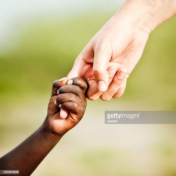 Aider la main pour l'Afrique