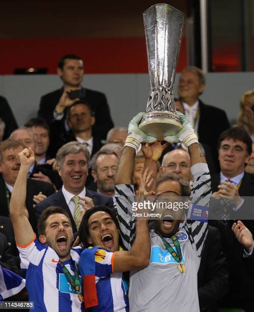 Helton and Radamel Falcao Garcia of FC Porto lift the UEFA Europa League Trophy and during the UEFA Europa League Final between FC Porto and SC Braga...