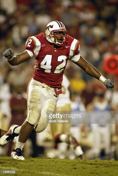 J Henderson of the University of Maryland Terrapins runs during the ACC game against the Florida State University Seminoles on September 14 2002 at...
