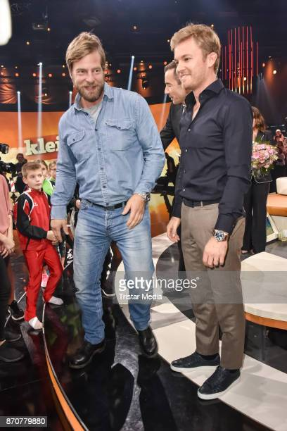Henning Baum and Nico Rosberg during the 'Klein Gegen Gross' TV Show at Studio Berlin Adlershof on November 5 2017 in Berlin Germany