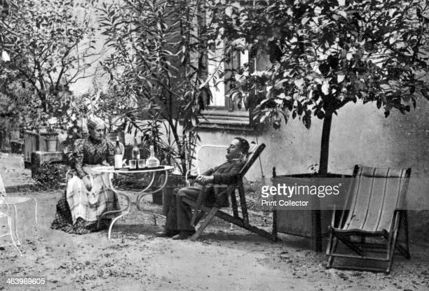 Henri de ToulouseLautrec French PostImpressionist painter 1897 A photograph from Album de Photographies Dans L'Intimite de Personnages Illustres...