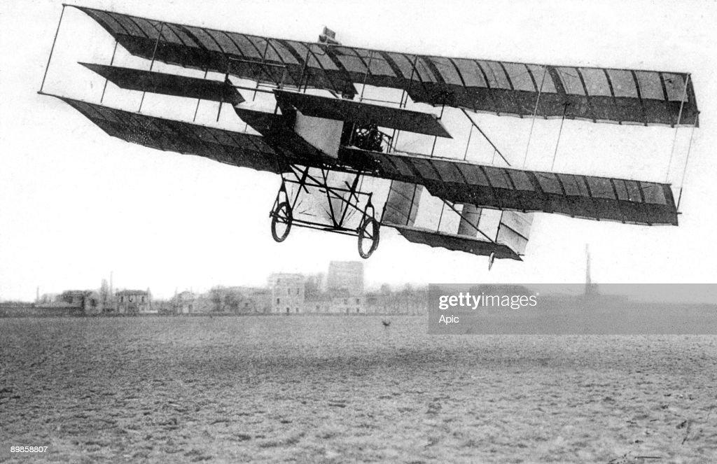 Henri Farman's biplane in 1909 built with the aid of Gabriel Voisin