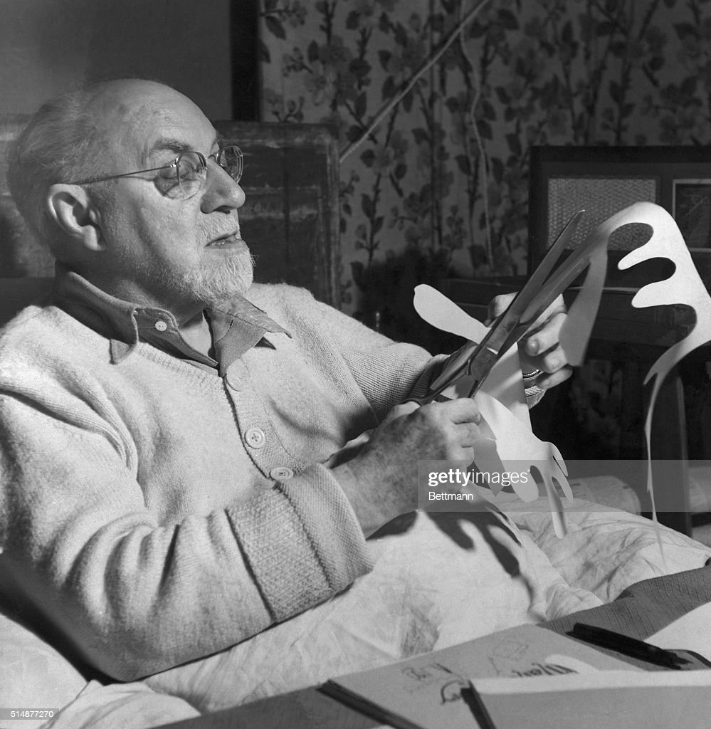<a gi-track='captionPersonalityLinkClicked' href=/galleries/search?phrase=Henri+Matisse&family=editorial&specificpeople=210882 ng-click='$event.stopPropagation()'>Henri Matisse</a> working on paper cut out. Undated photo.