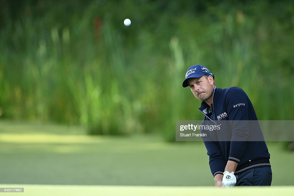 <a gi-track='captionPersonalityLinkClicked' href=/galleries/search?phrase=Henrik+Stenson&family=editorial&specificpeople=211537 ng-click='$event.stopPropagation()'>Henrik Stenson</a> of Sweden chips during the rain delayed third round of the BMW International Open at Gut Larchenhof on June 26, 2016 in Cologne, Germany.