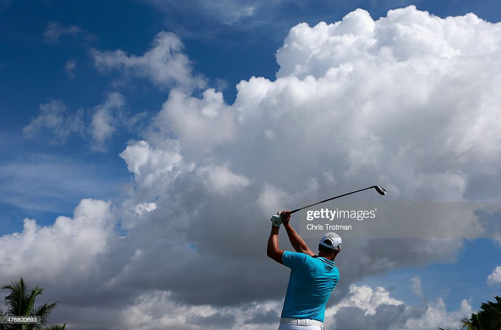 Henrik Stenson of Sweden hits a pitch shot during a practice round prior to the start of the World Golf Championships-Cadillac Championship at Trump National Doral on March 5, 2014 in Doral, Florida.
