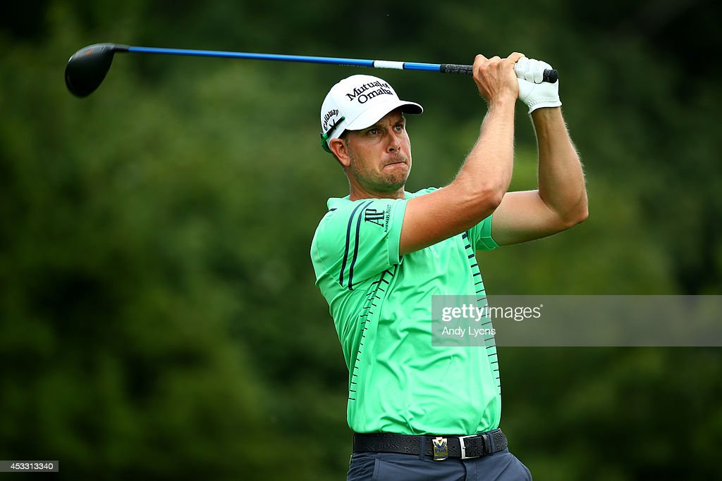 Henrik Stenson of Sweden hits his tee shot on the 17th hole during the first round of the 96th PGA Championship at Valhalla Golf Club on August 7, 2014 in Louisville, Kentucky.