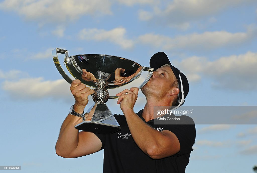 <a gi-track='captionPersonalityLinkClicked' href=/galleries/search?phrase=Henrik+Stenson&family=editorial&specificpeople=211537 ng-click='$event.stopPropagation()'>Henrik Stenson</a> of Sweden holds the FedExCup after winning the TOUR Championship by Coca-Cola, the final event of the PGA TOUR Playoffs for the FedExCup, at East Lake Golf Club on September 22, 2013 in Atlanta, Georgia.