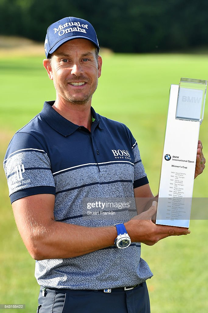 <a gi-track='captionPersonalityLinkClicked' href=/galleries/search?phrase=Henrik+Stenson&family=editorial&specificpeople=211537 ng-click='$event.stopPropagation()'>Henrik Stenson</a> of Sweden poses with the trophy following his 3 shot victory during the final round of the BMW International Open at Gut Larchenhof on June 26, 2016 in Cologne, Germany.