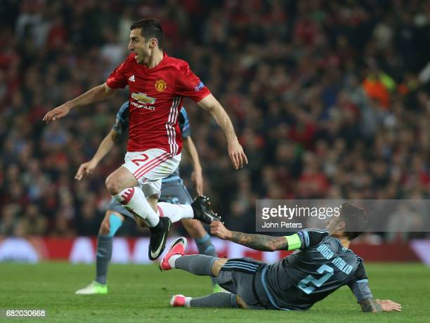 Henrikh Mkhitaryan of Manchester United in action with Hugo Mallo of Celta Vigo during the UEFA Europa League semi final second leg match between...