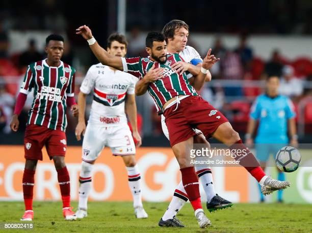 Henrique Dourado of Fluminense and Lugano of Sao Paulo in action during the match between Sao Paulo and Fluminense for the Brasileirao Series A 2017...