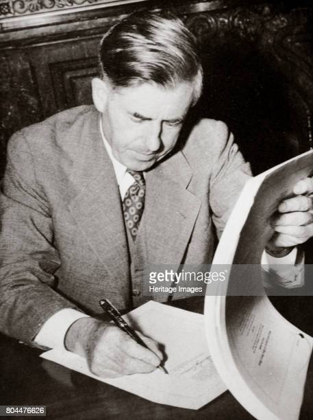 Henry A Wallace American politician 1930s Henry Agard Wallace served as Secretary of Agriculture from 19331940 in President Franklin D Roosevelt's...