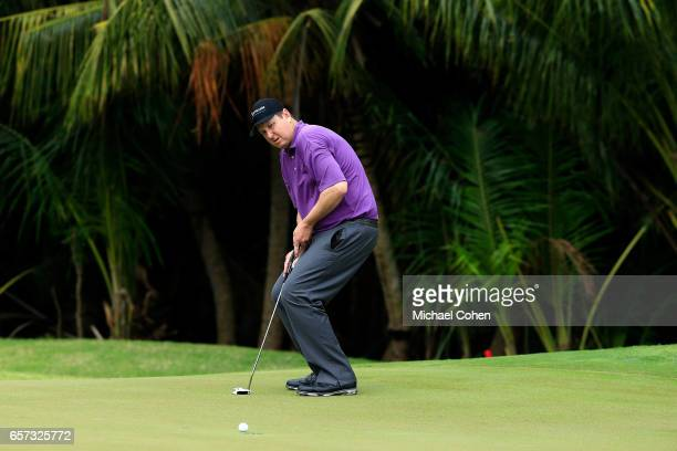 J Henry attempts his birdie putt on the 11th green during the second round of the Puerto Rico Open at Coco Beach on March 24 2017 in Rio Grande...