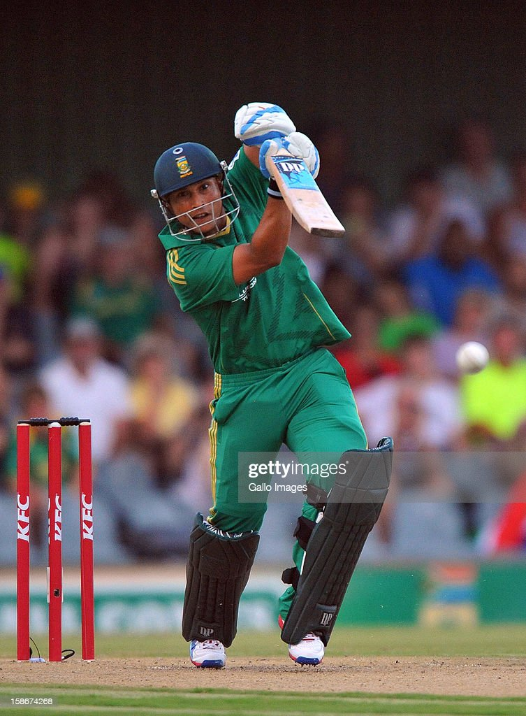 Henry Davids of South Africa drives straight during the 2nd T20 match between South Africa and New Zealand at Buffalo Park on December 23, 2012 in East London, South Africa.