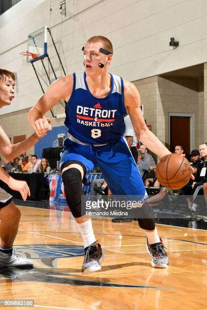 Henry Ellenson of the Detroit Pistons drives to the basket against the Dallas Mavericks during the Mountain Dew Orlando Pro Summer League...