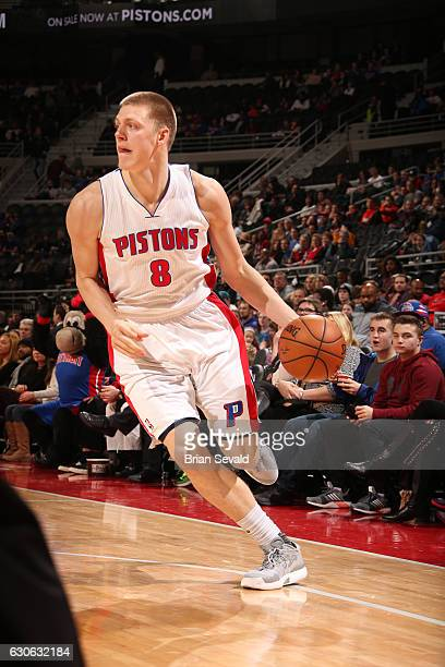 Henry Ellenson of the Detroit Pistons handles the ball against the Milwaukee Bucks on December 28 2016 at The Palace of Auburn Hills in Auburn Hills...