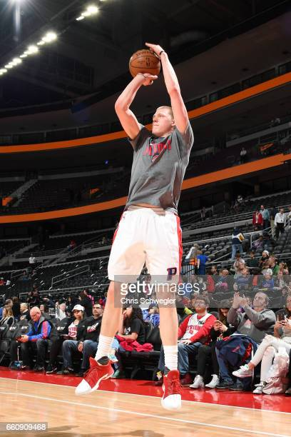 Henry Ellenson of the Detroit Pistons warms up before the game against the Brooklyn Nets on March 30 2017 at The Palace of Auburn Hills in Auburn...