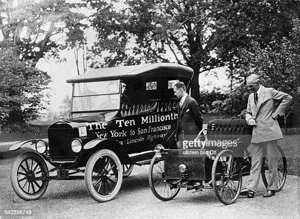 Henry Ford and his son Edsel with the first Ford car of 1896 and the ten millionth Ford car T of 1924