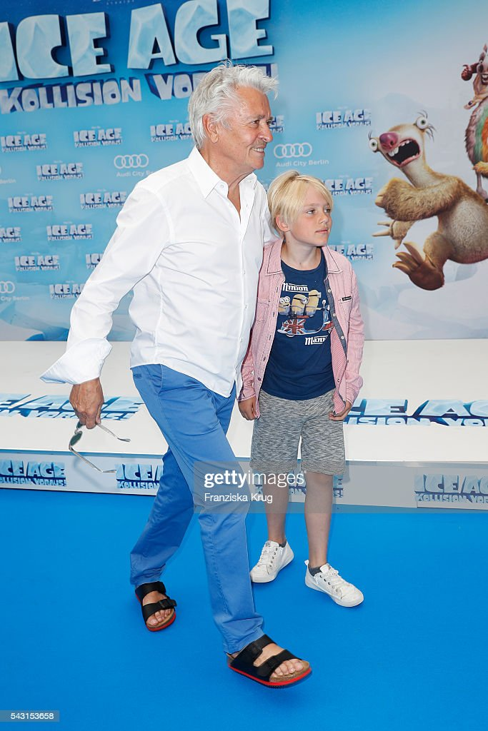 <a gi-track='captionPersonalityLinkClicked' href=/galleries/search?phrase=Henry+Huebchen&family=editorial&specificpeople=636052 ng-click='$event.stopPropagation()'>Henry Huebchen</a> and his grandson Lenn attend the 'Ice Age - Kollision Voraus' German Premiere at CineStar on June 26, 2016 in Berlin, Germany.