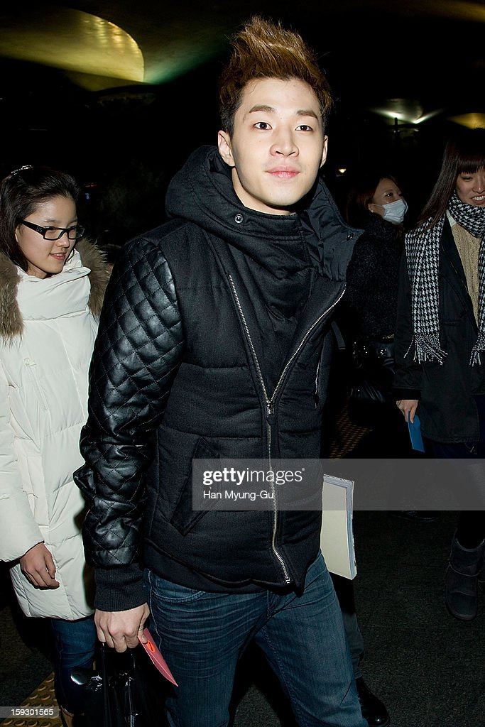 Henry of South Korean boy band Super Junior M is seen at Incheon International Airport on January 10, 2013 in Incheon, South Korea.