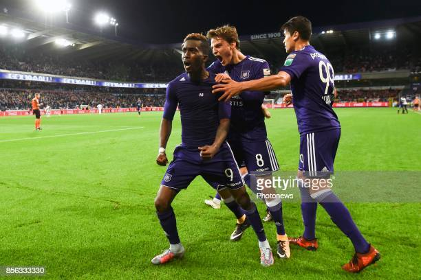 Henry Onyekuru forward of RSC Anderlecht celebrates scoring a goal with teammates during the Jupiler Pro League match between RSC Anderlecht and...