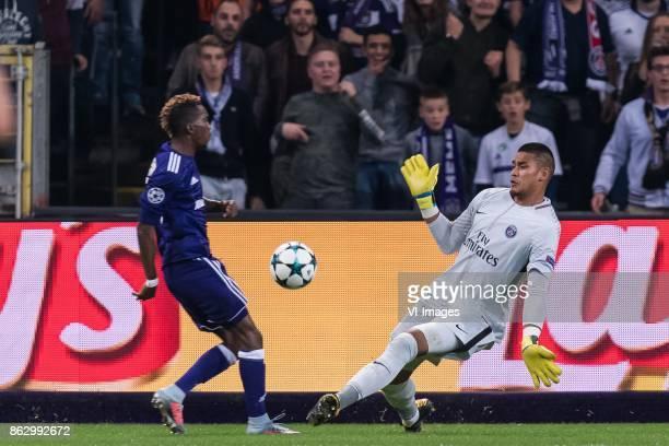 Henry Onyekuru of RSC Anderlecht goalkeeper Alphonse Areola of Paris SaintGermain during the UEFA Champions League group B match between RSC...