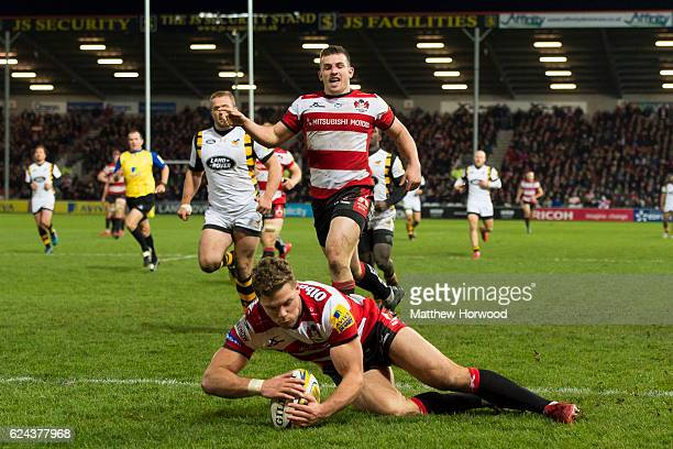 Henry Purdy of Gloucester Rugby scores a try during the Aviva Premiership match between Gloucester Rugby and Wasps at Kingsholm Stadium on November...