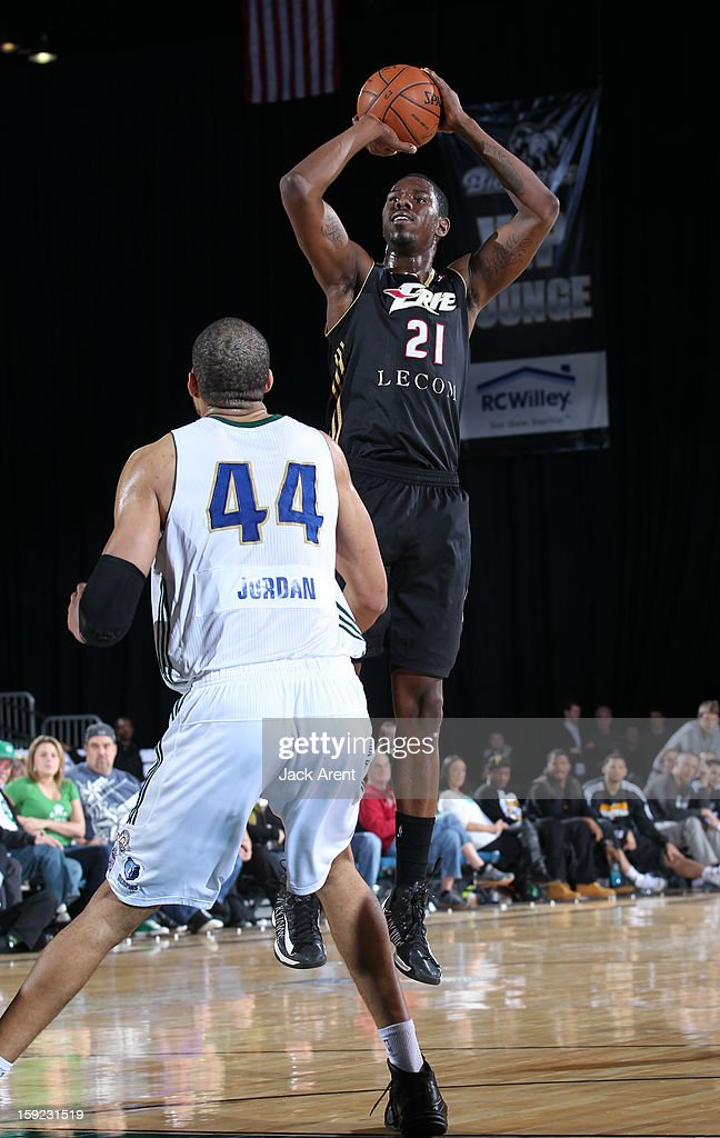 <a gi-track='captionPersonalityLinkClicked' href=/galleries/search?phrase=Henry+Sims&family=editorial&specificpeople=5132323 ng-click='$event.stopPropagation()'>Henry Sims</a> #21 of the Erie BayHawks shoots the ball against the Reno Bighorns during the 2013 NBA D-League Showcase on January 9, 2013 at the Reno Events Center in Reno, Nevada.