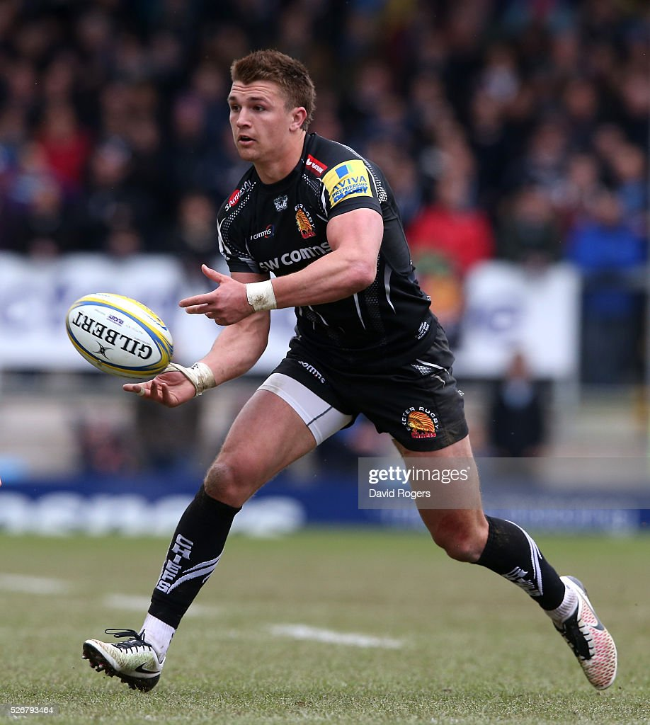 <a gi-track='captionPersonalityLinkClicked' href=/galleries/search?phrase=Henry+Slade+-+Rugby+Player&family=editorial&specificpeople=13834974 ng-click='$event.stopPropagation()'>Henry Slade</a> of Exeter passes the ball during the Aviva Premiership match between Exeter Chiefs and Wasps at Sandy Park on May 1, 2016 in Exeter, England.