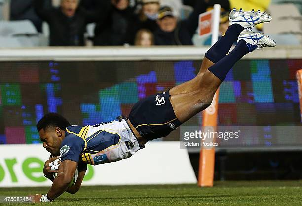 Henry Speight of the Brumbies scores a try during the round 16 Super Rugby match between the Brumbies and the Bulls at GIO Stadium on May 29 2015 in...