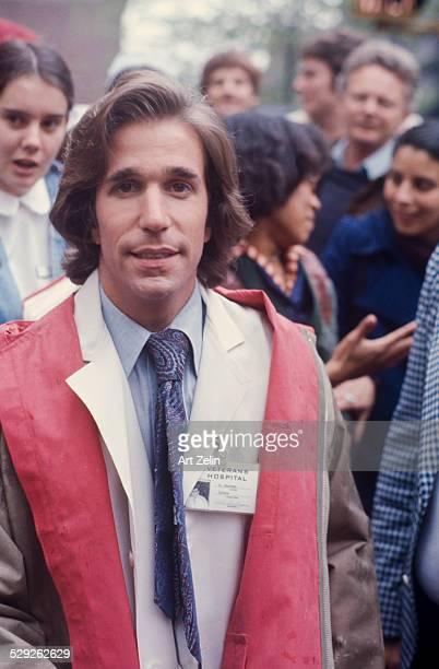 Henry Winkler white lab coat filming the movie 'Heroes' 1977