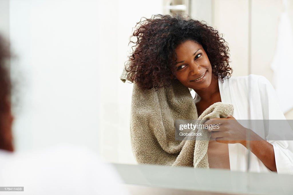 I capelli prodotto diventa il lavoro everytime-Cura dei capelli : Foto stock