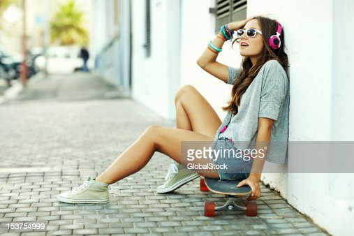 Her look is trending right now : Stock Photo