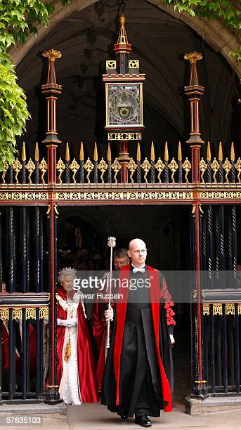 Her Majesty Queen Elizabeth II attends the Order of the Bath service at Westminster Abbey on May 17 2006 in London The Order of the Bath in its...