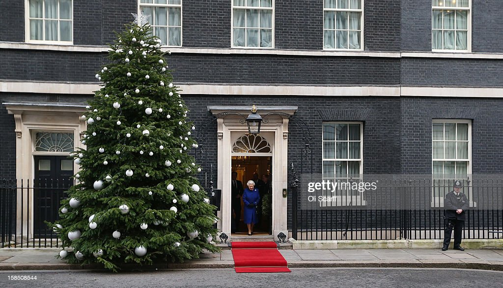 Her Majesty Queen <a gi-track='captionPersonalityLinkClicked' href=/galleries/search?phrase=Elizabeth+II&family=editorial&specificpeople=67226 ng-click='$event.stopPropagation()'>Elizabeth II</a> leaves Number 10 Downing Street after attending the Government's weekly Cabinet meeting on December 18, 2012 in London, England. The Queen's visit to the weekly Cabinet meeting as an observer is the first time a monarch has attended the meeting since Queen Victoria's reign.