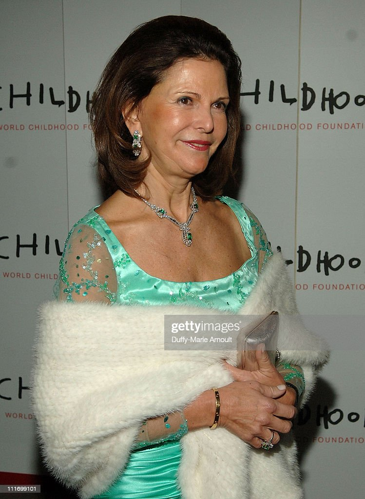 Her Majesty <a gi-track='captionPersonalityLinkClicked' href=/galleries/search?phrase=Queen+Silvia+of+Sweden&family=editorial&specificpeople=160332 ng-click='$event.stopPropagation()'>Queen Silvia of Sweden</a> of Sweden attends the World Childhood Foundation USA Gala at 583 Park Avenue on November 12, 2007 in New York City.