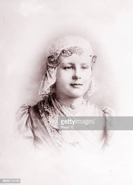 Her majesty Wilhelmina Queen of the Netherlands As a girl aged 10 1890