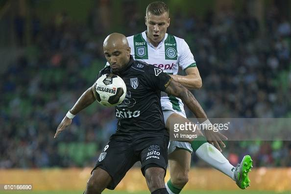 Heracles Almelo Samuel Armenteros of Heracles Almelo Samir Memisevic of FC Groningen during the Dutch Eredivisie match between FC Groningen and...