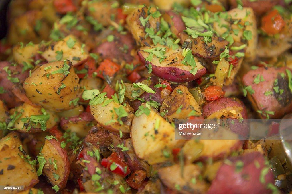 De pommes de terre rouge grillé aux herbes : Photo