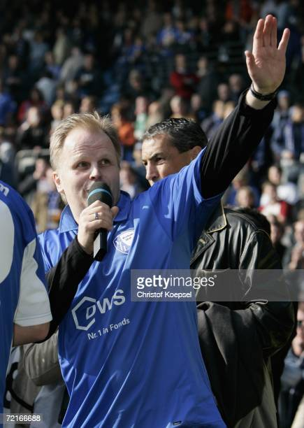 Herbert Gronemeyer waves to the Bochum fans before the Bundesliga match between VFL Bochum and Werder Bremen at the Rewirpower Stadium on October 14...