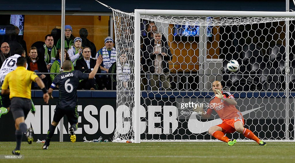 Santos Laguna v Seattle Sounders - CONCACAF Champions League 2013